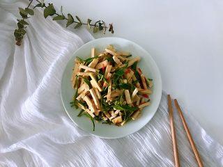 新鲜茶叶入菜,春天里最清新淡雅的味道,开吃了^_^^_^