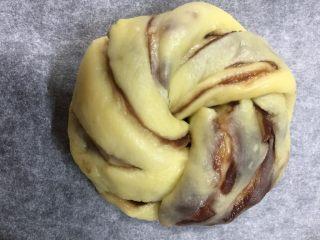 扭扭层层豆沙面包,发酵至两倍大