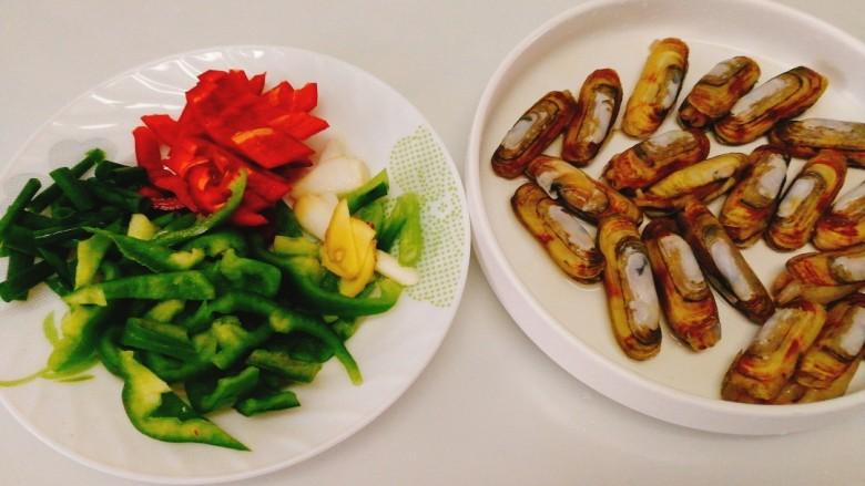 家常菜+爆炒蛏子,将全部食材洗净切好备用
