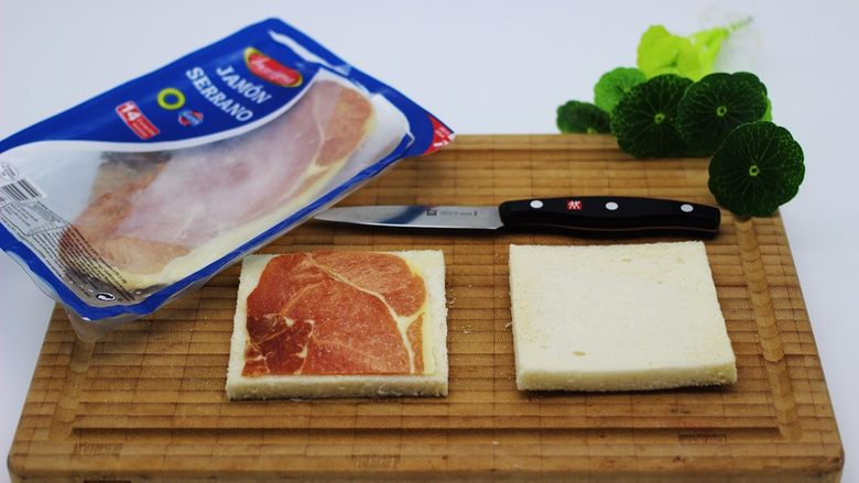 快手早餐三明治🥪,我用的是西班牙培根、是发小从巴塞罗那给我带回来的、没有的可以用其它品牌的一样哈、