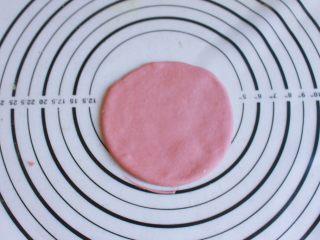 辅食计划 西瓜馒头,取出圆片放在一旁备用