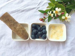 蓝莓山药泥 ,准备食材