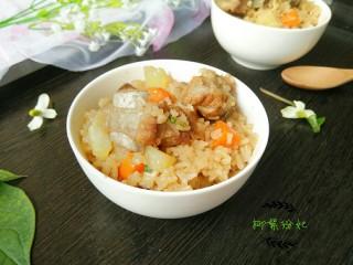 排骨土豆焖饭,很好吃。
