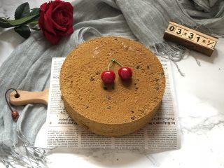 蜜豆抹茶戚风蛋糕,完美脱模