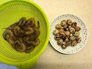 虾扯蛋,主要食材。