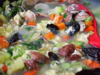 好吃到爆的花蛤西葫芦面,鲜美无比的卤就做好了