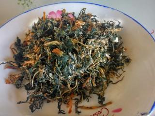农家干菜油焖春笋,老妈做的干菜。