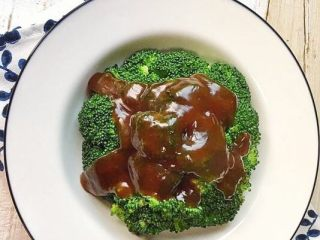 蚝油西兰花,原色原味。