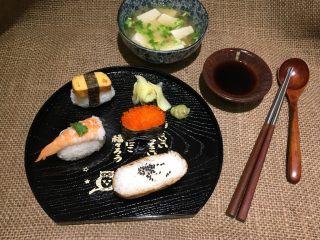 握寿司套餐,煮个豆腐味增汤!完美综合握寿司!👍