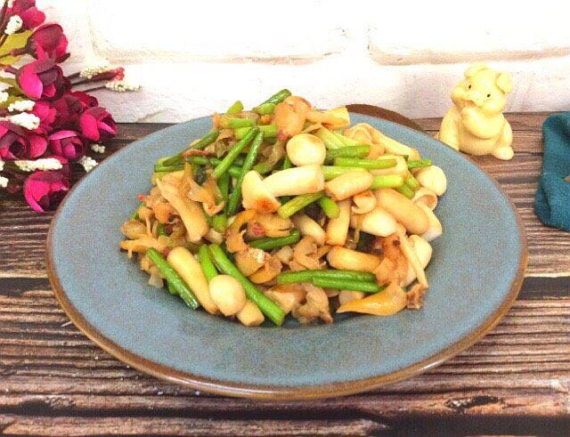 白玉菇蒜苔炒蚬子肉