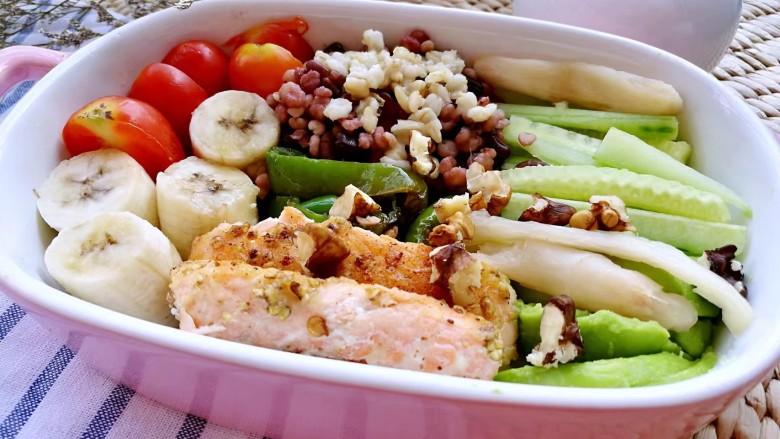 吃出好身材,三文鱼沙拉晚餐