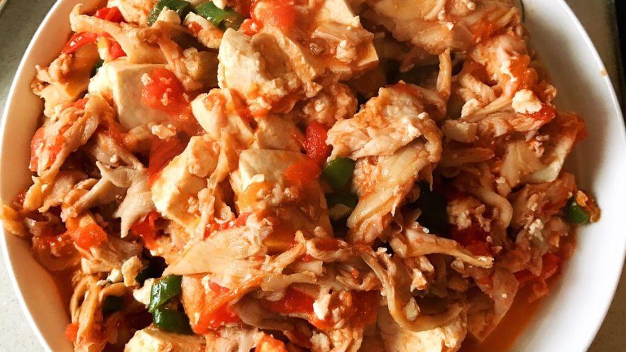 西红柿豆腐炒平菇