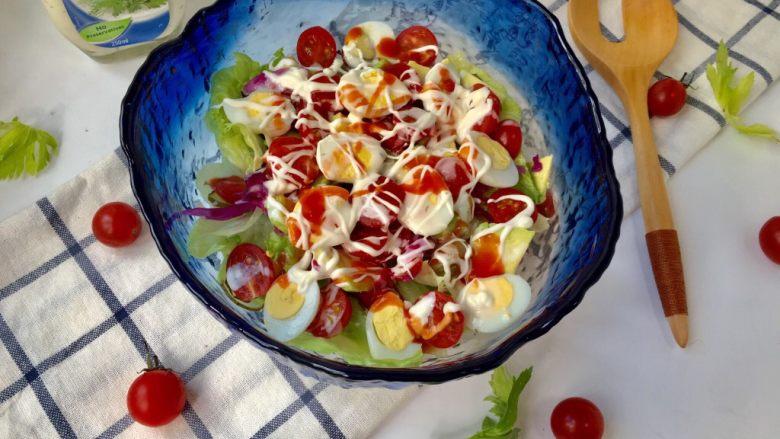 鹌鹑蛋果蔬沙拉,原汁原味、清香适口。