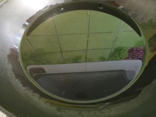 草莓罐头,锅里倒足量的水