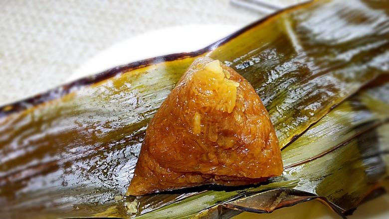古法特制、天然植物碱水粽,出锅即可品尝。