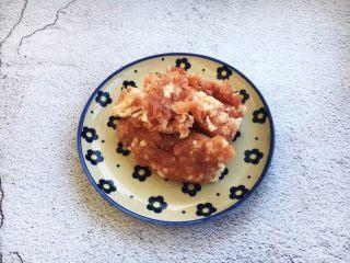 肉末黄豆烧水萝卜,准备好肉末。