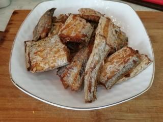 家庭版&红烧带鱼,煎好的带鱼
