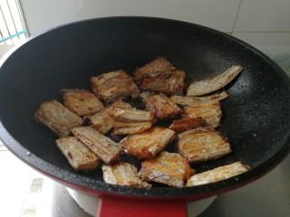 家庭版&红烧带鱼,油热开始煎带鱼