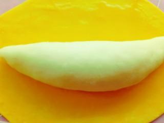 果蔬造型馒头,放上整好形的白色面团