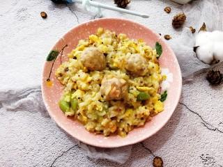 宝宝辅食—虾仁猪肉丸高汤烩饭,装盘