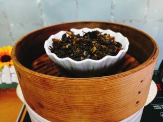 家常菜+梅菜扣肉,上锅蒸或者砂锅煨,