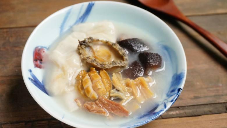 花胶海鲜养颜汤