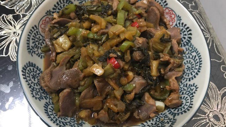酸菜尖椒炒鸡胗