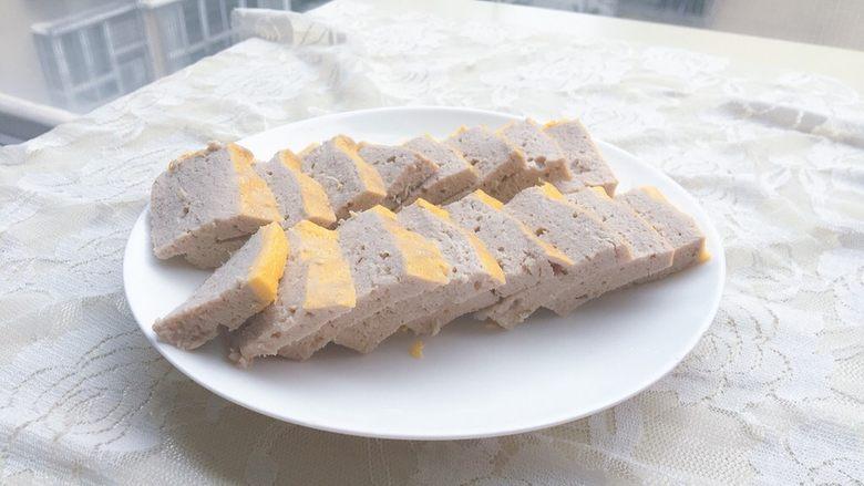 宝宝版午餐肉,用刀切小块