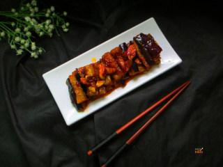 馋嘴蒜香茄条,这道菜味道鲜美、柔软润香、鲜咸适口、营养也非常丰富