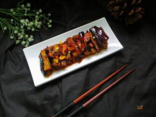馋嘴蒜香茄条,下饭更是一大特点,拌着米饭吃,唇齿留香。