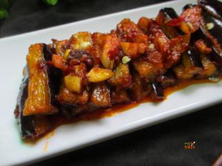 馋嘴蒜香茄条,这道菜在选茄子的时候,最好选用长茄子