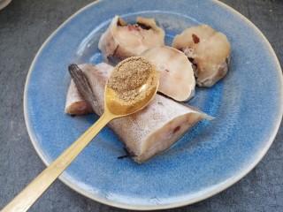 清蒸鳕鱼,半勺胡椒粉