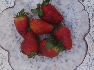 椰蓉紫薯草莓球,准备几个草莓