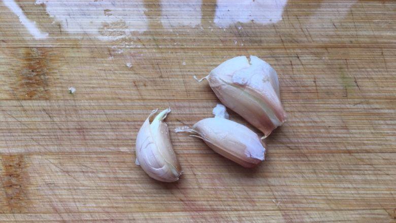 蚝油油麦菜,大蒜几瓣