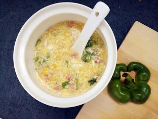 玉米鸡蛋汤羹,加入汤羹里,即可