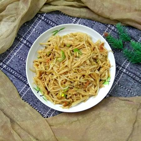 绿豆芽炒饼丝