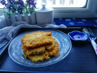 快手早餐&葱香豆腐鸡蛋饼,拍个照吧,葱香浓郁的豆腐鸡蛋饼做好了,好美味的早餐。