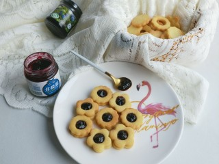 蓝莓酱夹心饼干,美味