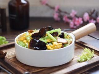 #菌类料理# 黑木耳炒芹菜,成品图