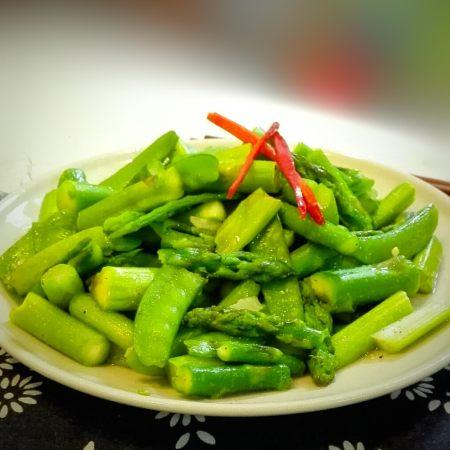 芦笋炒荷兰豆