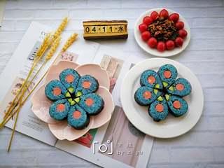 花朵寿司【蓝色系】,另外一张海苔相同的做法。