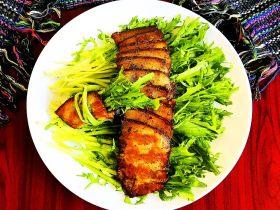 苦菊卷黑椒腊肉
