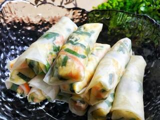 韭菜鸡蛋虾皮春卷