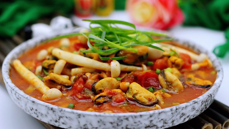 家常小炒白玉菇番茄青口肉,颜值担当又诱人有木有