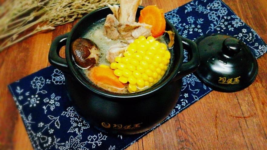 菌类料理+香菇玉米胡萝卜筒骨汤