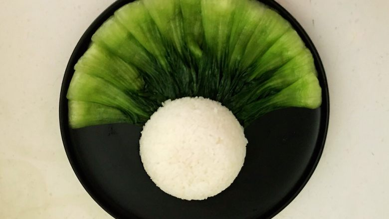家常卤肉饭,加入米饭