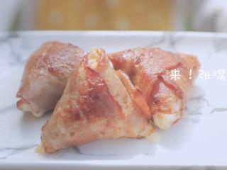 春の饭团的2+1种有爱做法「厨娘物语」,三角培根饭团就做好啦!开吃吧~