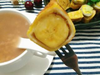 超简单的香蕉土司卷,开吃。