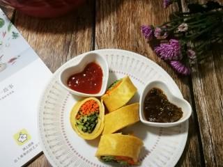 香椿蔬菜蛋皮卷,春天的色彩美不美?😝