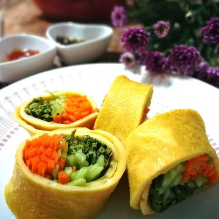 香椿蔬菜蛋皮卷
